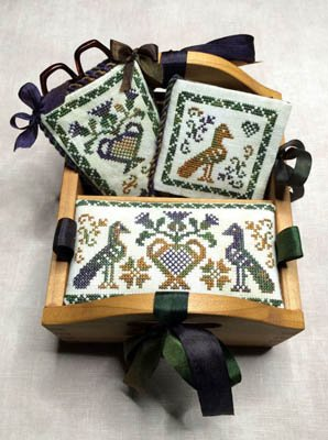 Thistle Patch Sewing Box